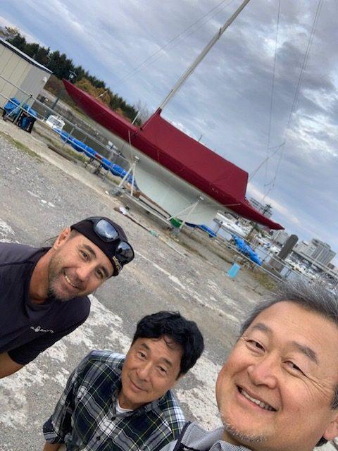 伊藝ちゃん、水野さん(中央)と記念撮影