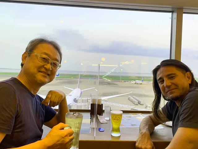 羽田空港で伊藝ちゃんと